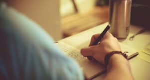How Short Story Writing can Prove to be a Promising Earning Avenue