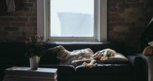 Negative Effects of Blue Light on Sleep & Ways to Block It