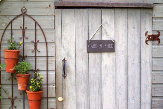 X Extraordinary Ideas To Beautify Your Garden Easily