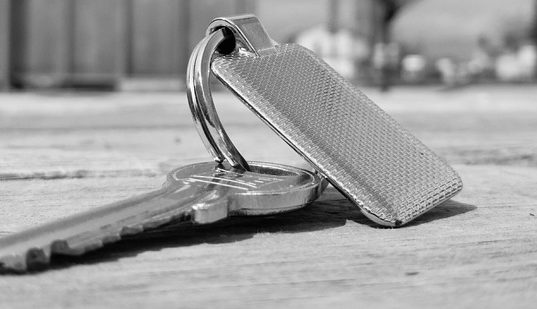 13 Greatest & Cool Car Keychains from the world