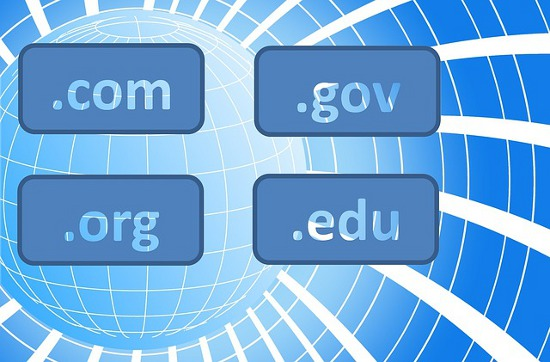 Choosing a Free Domain Name and Registering It Online