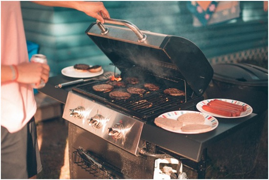 How To Throw A Barbeque Party