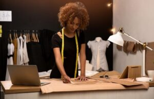 10 Tips To Become A Very Successful Fashion Designer