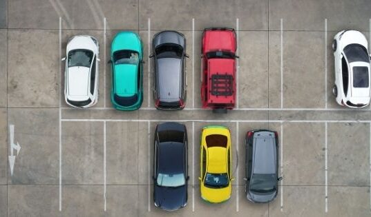 A Guide for Beginners: How to Park Your Car with Perfection