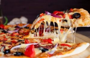 How to Order the Cheese Stuffed Crust Pizza