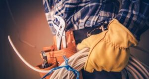 Signs You Should Call an Electrical Contractor