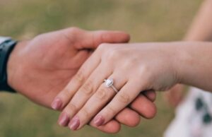 How Do I Get the Best Deal on an Engagement Ring