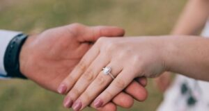 8 Vital Tips to Find the Perfect Engagement Ring for Your Partner